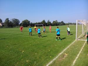 młodziczki graja w lidze z chłopcami