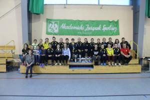 Sokółki prezentuja trofea zdobyte podczas Resovia Cup.